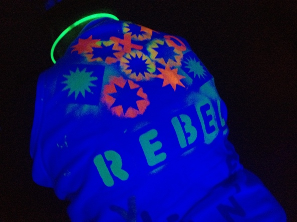 Click on the rebel to see more sweet black light 8.0 photos!